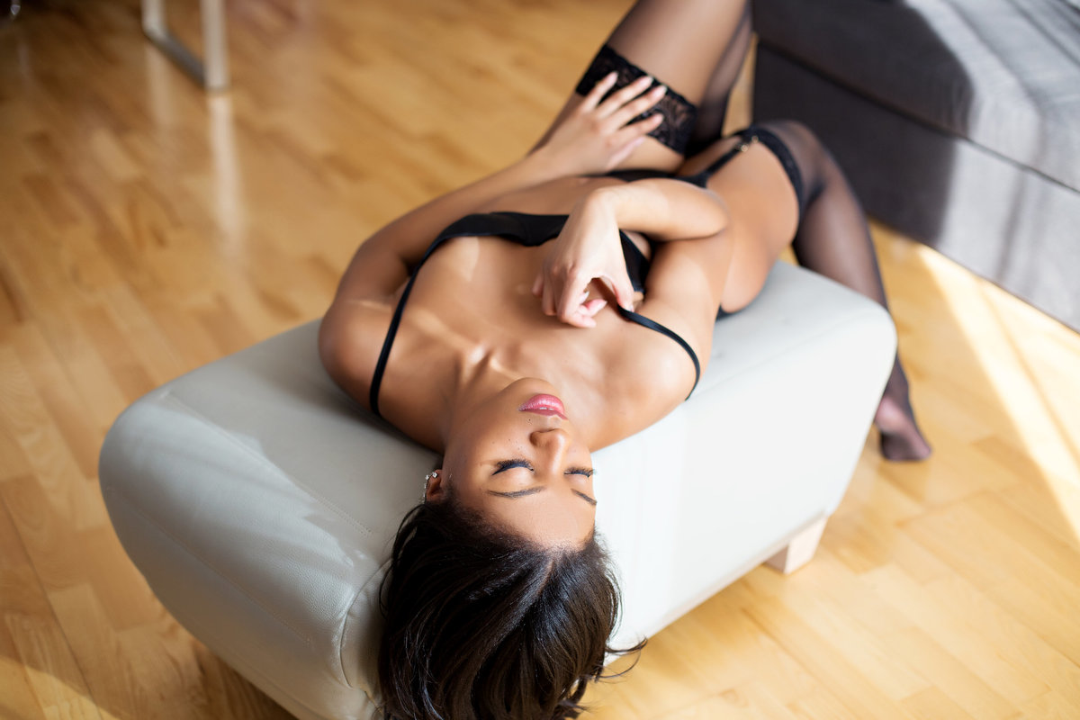 boudoir photo shoot chicago
