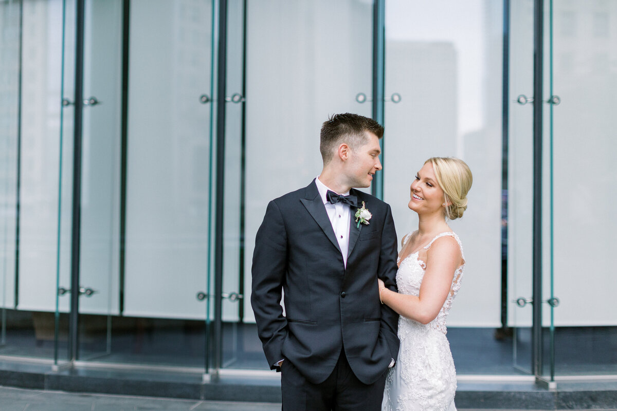 Downtown Chicago Wedding Photographer_Shauna and Jordon Photography022