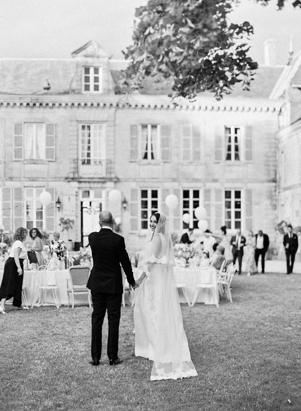 Intimate french champagne chateau wedding amelia soegijono0048