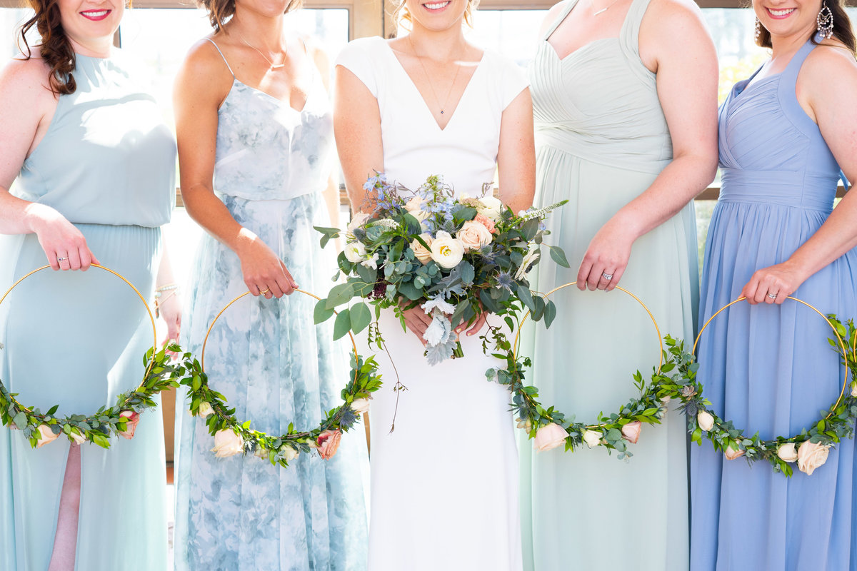 Bridesmaid-floral-hoop-bouquets
