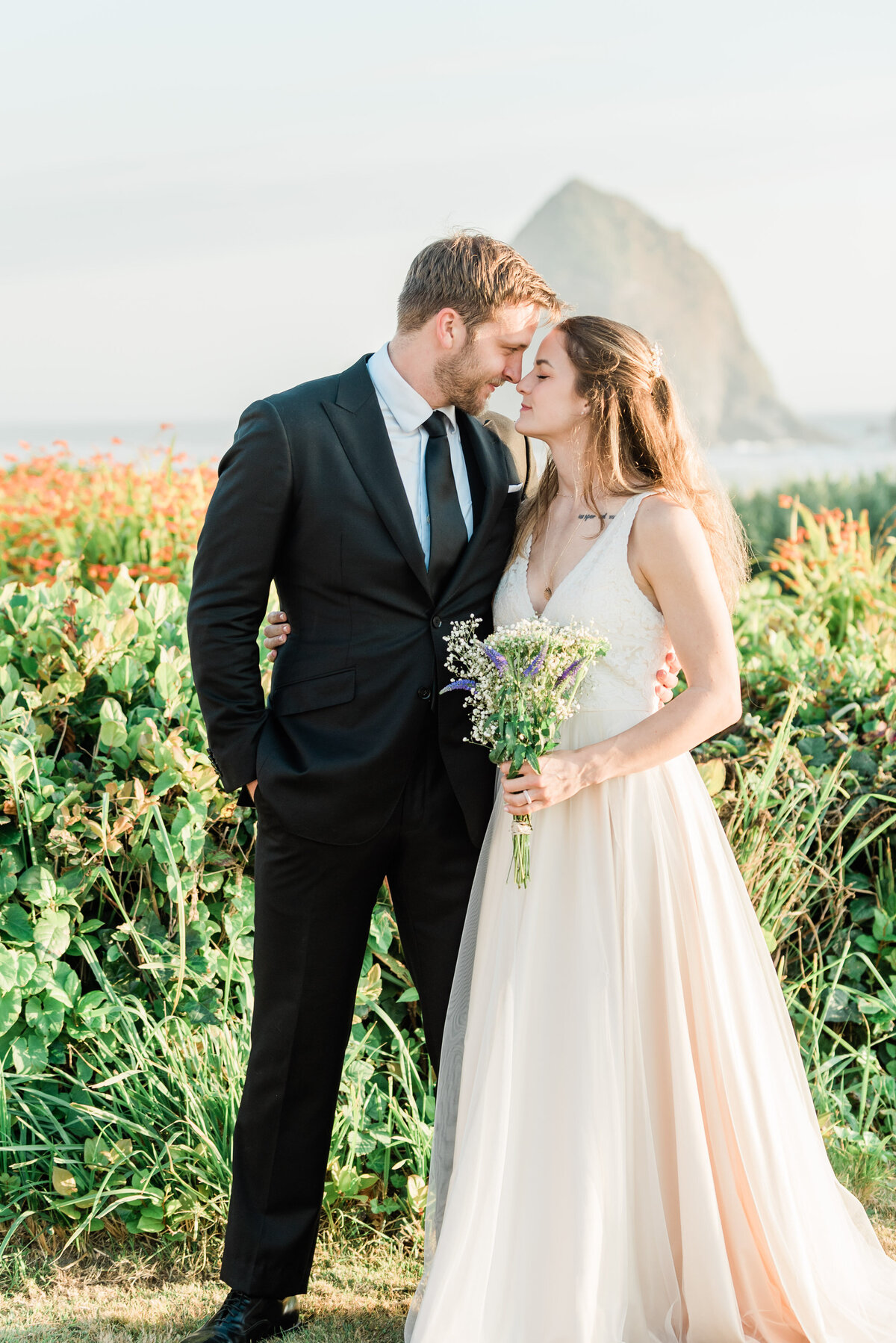 Cannon-Beach-Elopement-Photographer-33