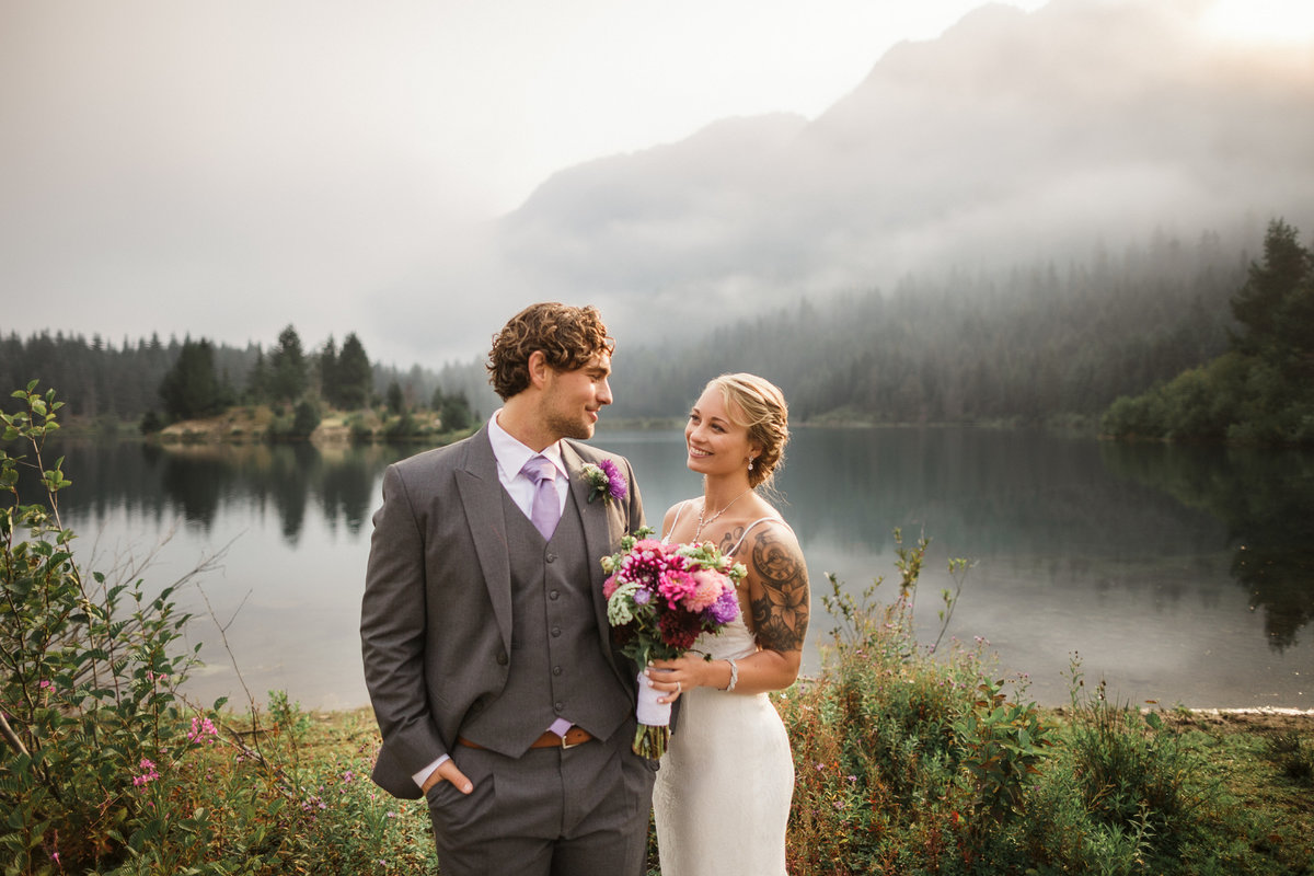 Snoqualmie-Pass-Elopement-Gold-Creek-Pond-46