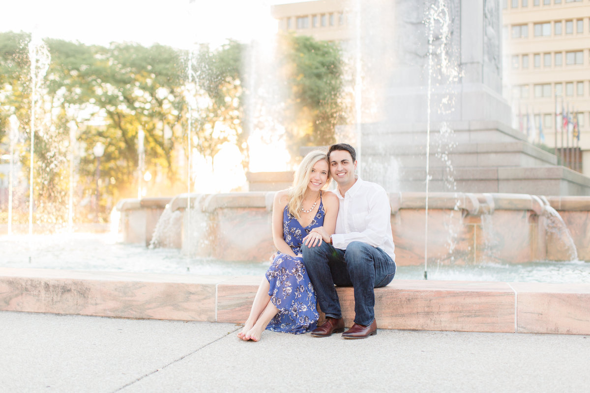 Indianapolis War Memorial Downtown Engagement Session Sunrise Sami Renee Photography-13