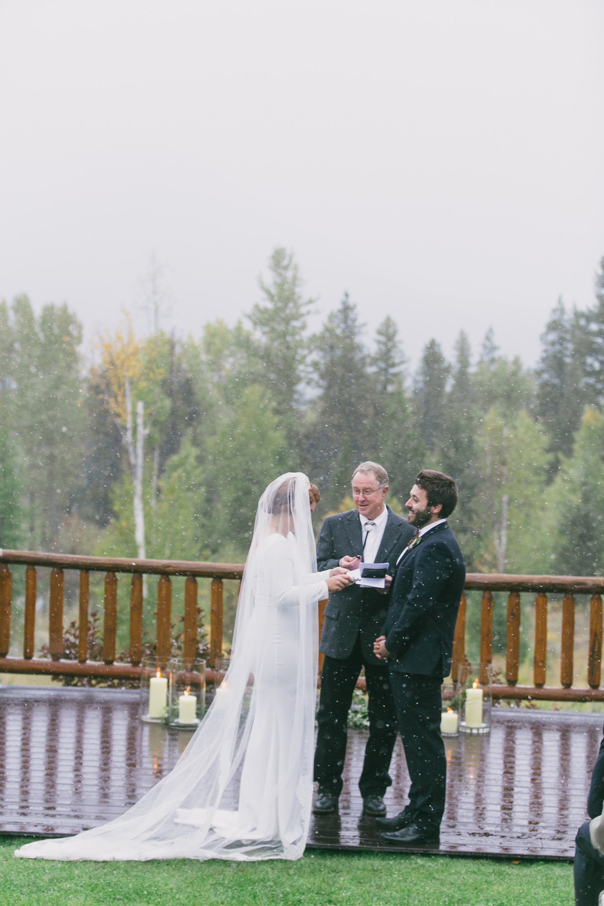 Jennifer_Mooney_Photography_Abbey_Stephen_Fall_Winter_Glacier_Park_Elopement-171