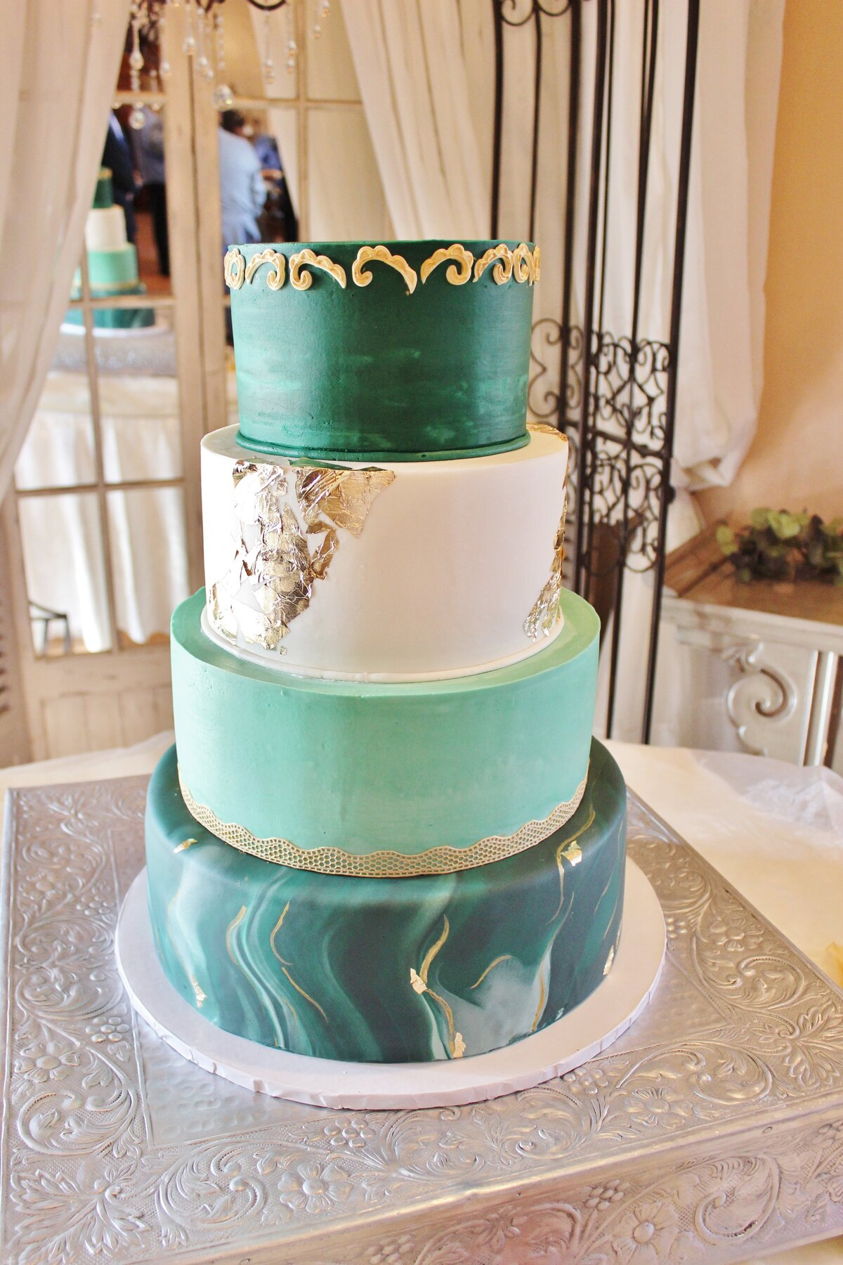 Buttercreamsmooth.fondant.colorfulmetallic.green.ADE