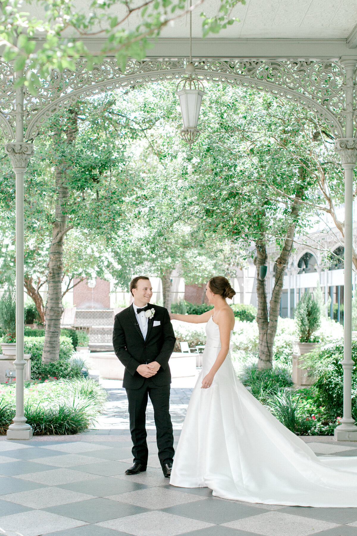 Wedding at the Crescent Court Hotel and Highland Park United Methodist Church in Dallas | Sami Kathryn Photography | DFW Wedding Photographer-49