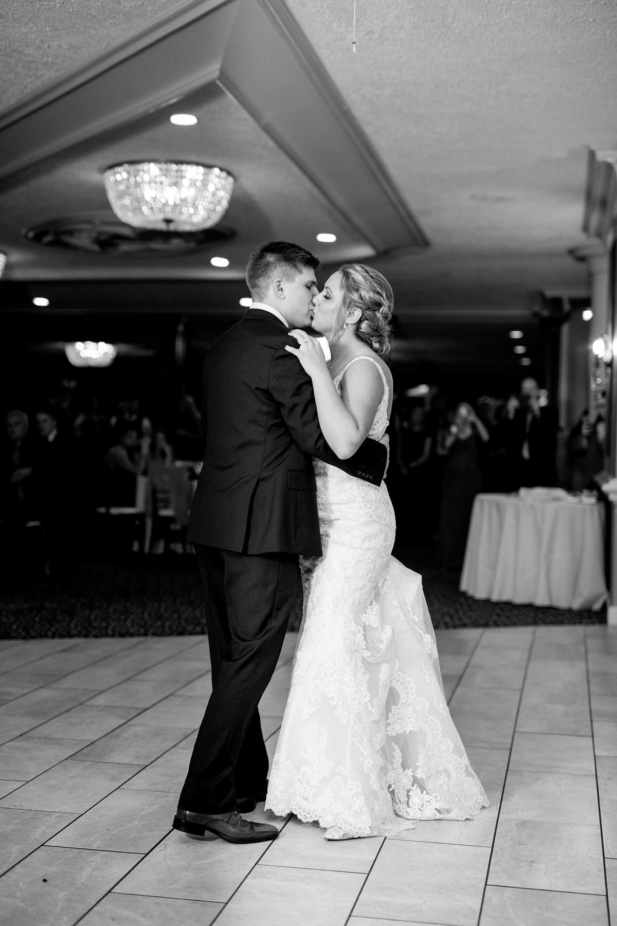 Jordan-Ben-Pine-Knob-Mansion-Clarkston-Michigan-Wedding-Breanne-Rochelle-Photography114