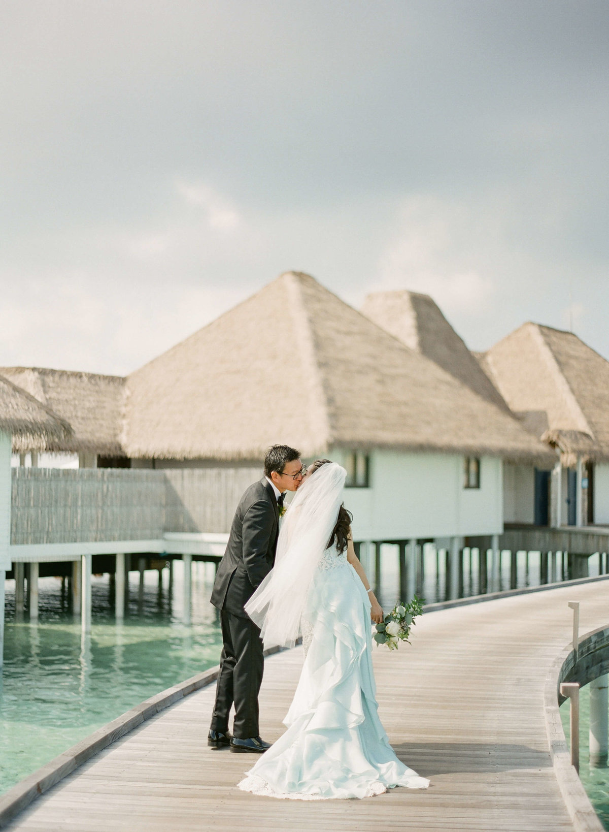 51-KTMerry-destinationwedding-OscardelaRenta-Maldives