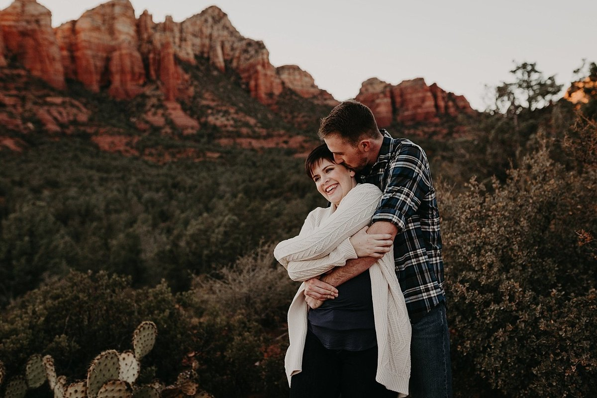 19-Sedona-Devils-Kitchen-Engagement-Photos