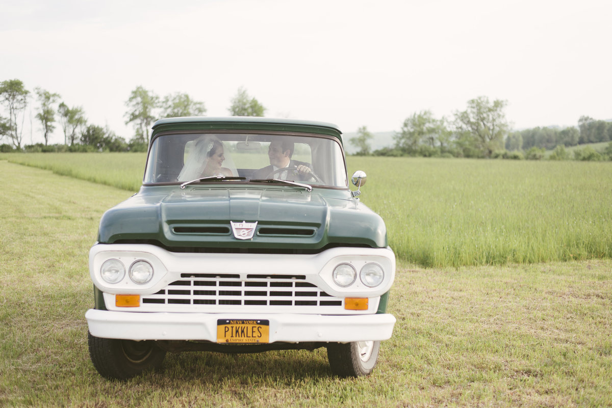 Monica-Relyea-Events-Alicia-King-Photography-Globe-Hill-Ronnybrook-Farm-Hudson-Valley-wedding-shoot-inspiration77