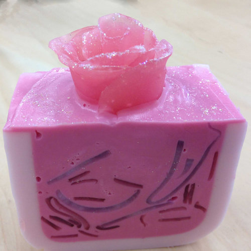 sculpted-rose-soap