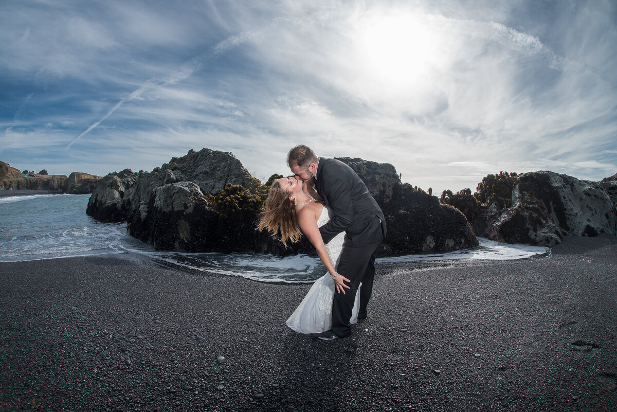 Shelter-Cove-Black-Sannds-Beach-photographer-adventure-elopement-intimate-destination-wedding-nor-cal-beach-elopement-9
