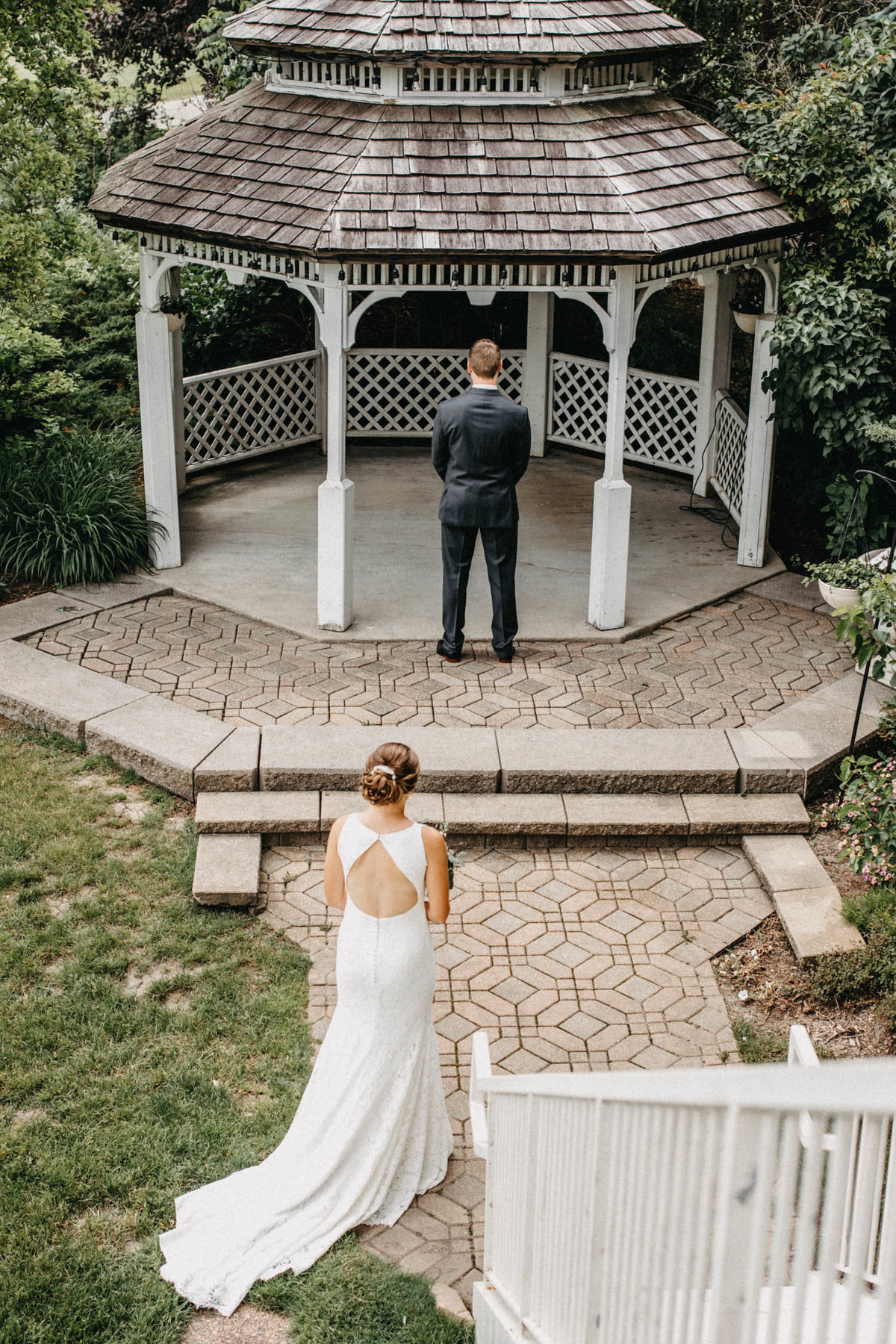 gazeebo-wedding-first-look-bolingbrook-il-elopement-photographer
