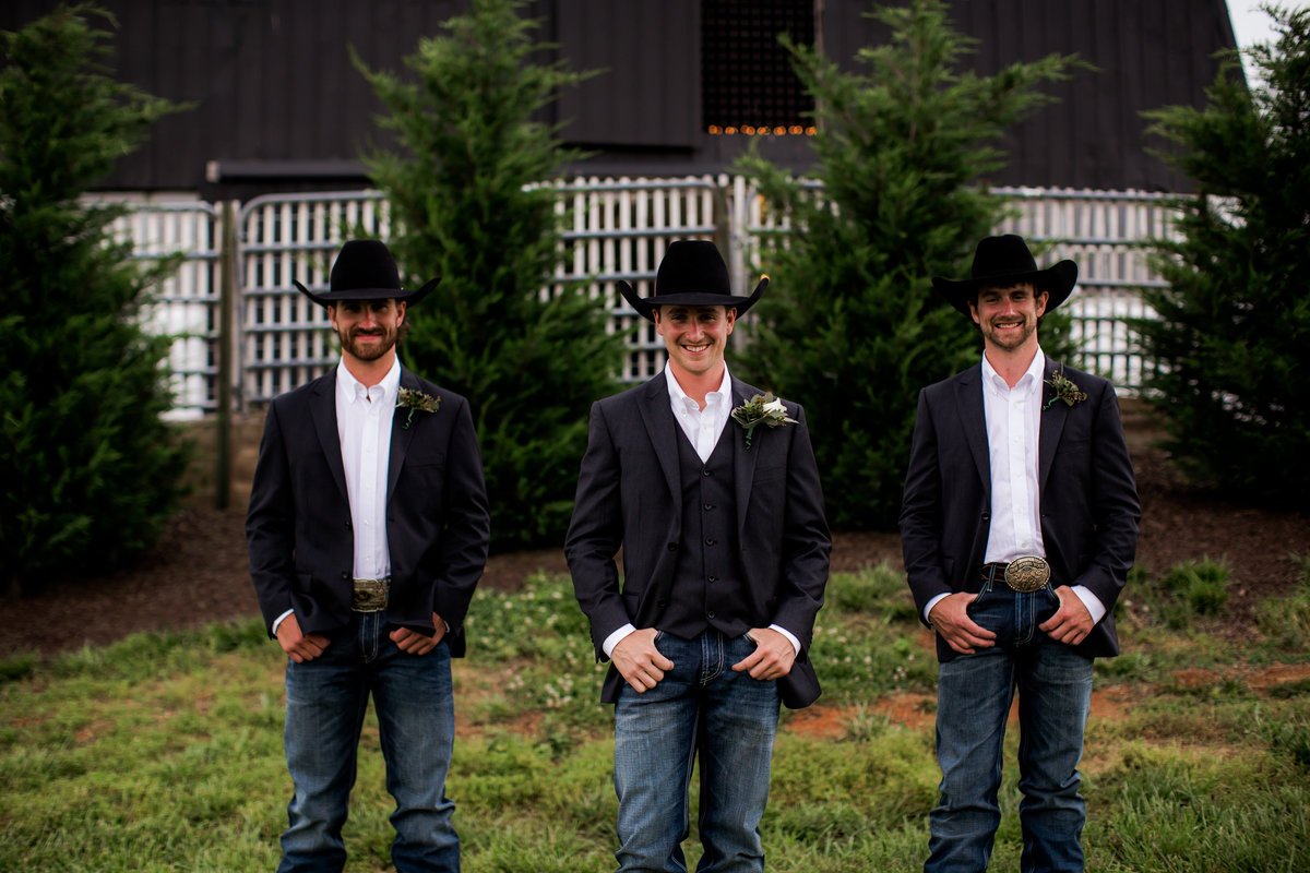 Nsshville Bride - Nashville Brides - The Hayloft Weddings - Tennessee Brides - Kentucky Brides - Southern Brides - Cowboys Wife - Cowboys Bride - Ranch Weddings - Cowboys and Belles041