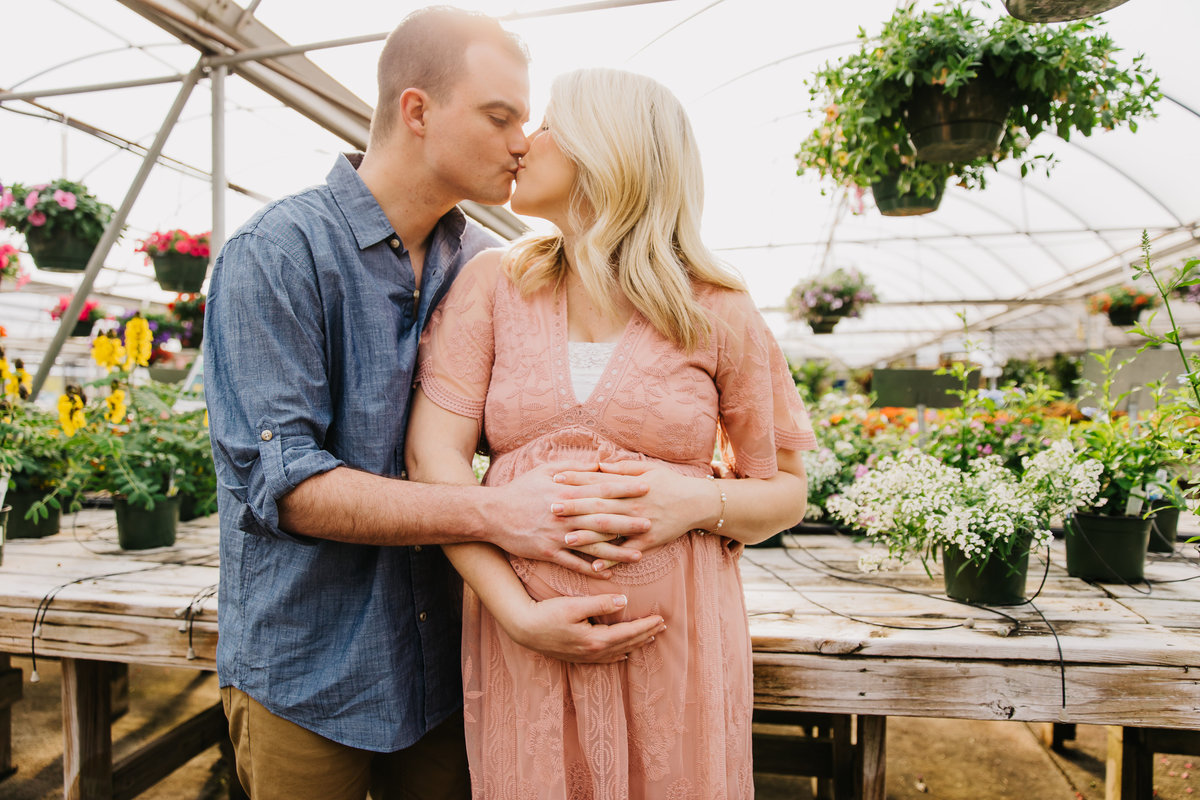 greenhouse-maternity-photography-session-raleigh-2157