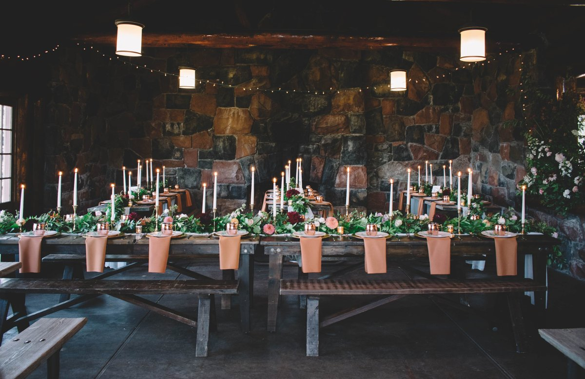 rustic lodge wedding flowers