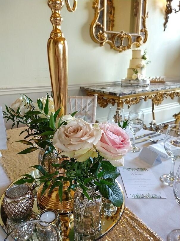 Blush and gold candelabra wedding (8)