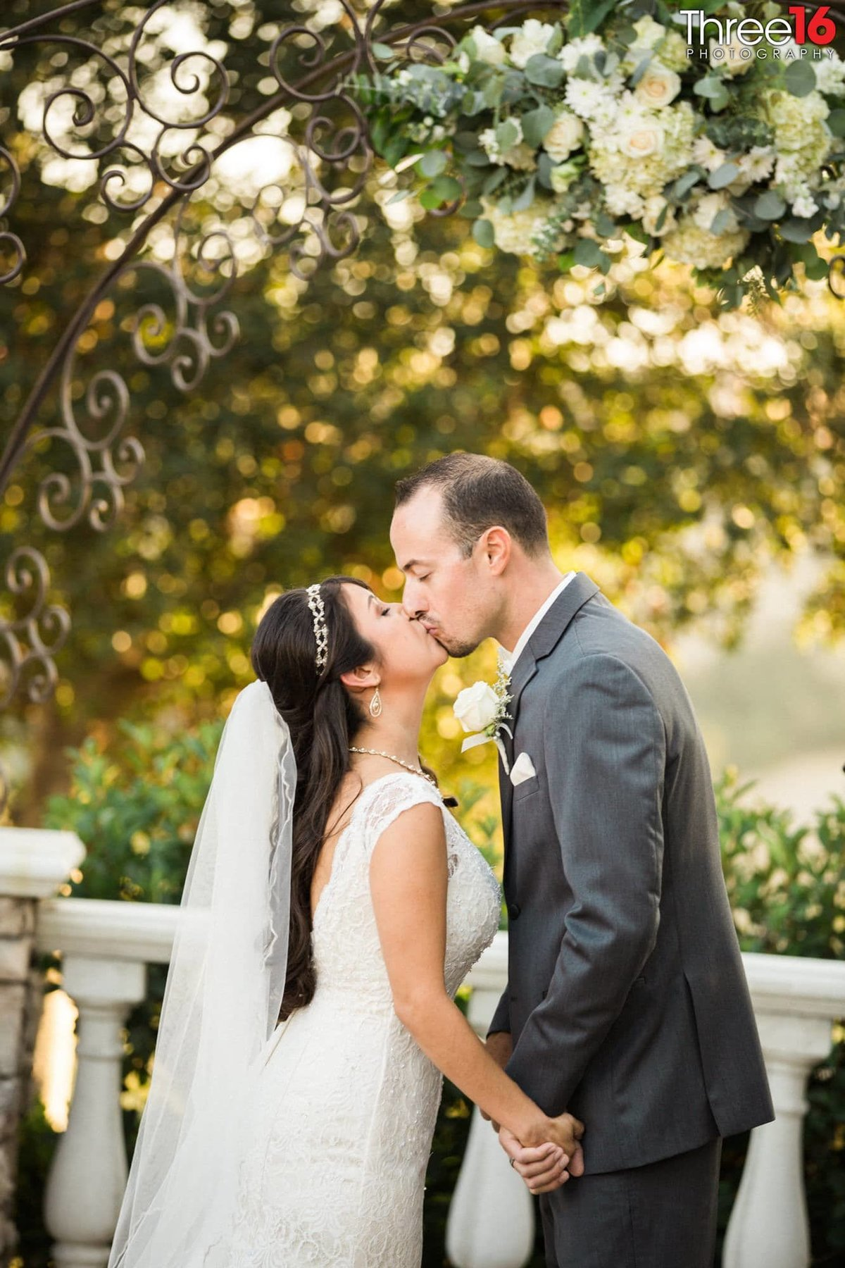 Ceremony Kiss Wedgewood Weddings Vellano