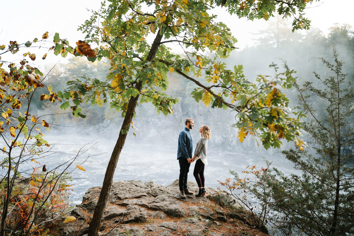 Taylors-Falls-Minneapolis-Fall-Engagement-12