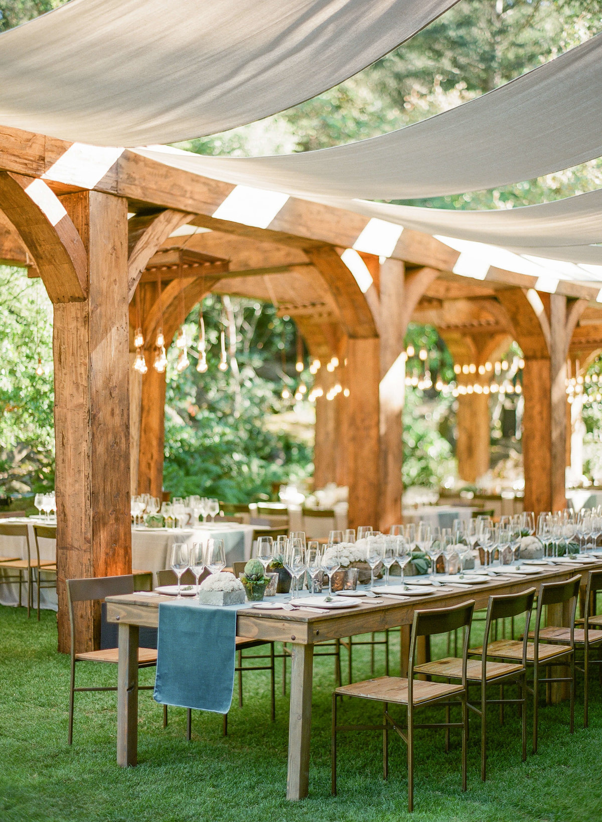 49-KTMerry-wedding-reception-outdoor-dining-NapaValley