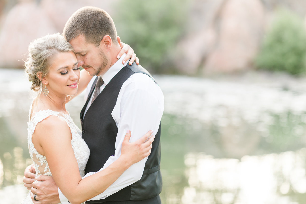 RockSpringRanch_Bend_oregon_Wedding_N+D_cover-001-0047