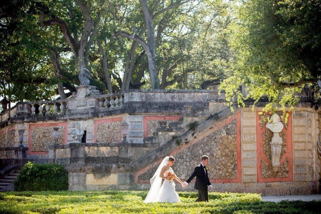 vizcaya couple walking holding hands