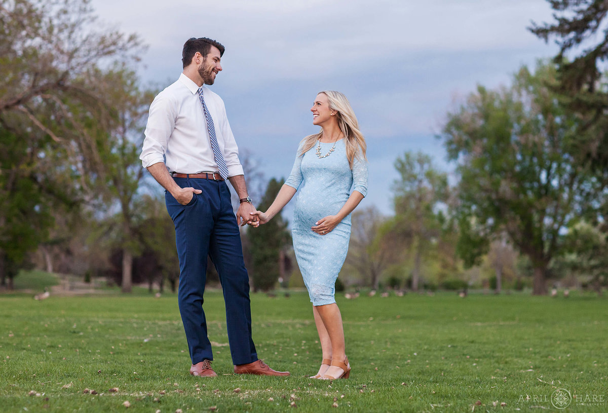 City-Park-Denver-Colorado-Maternity-Portraits-During-Spring-Blossoms-5