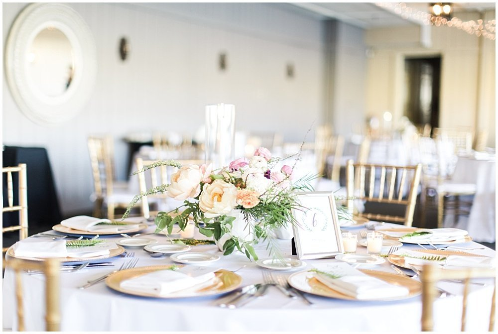 Spring-Floral-Willows-On-Westfield-Lodge-Wedding-Ivan-Louise-Images-Jessica-Dum-Wedding-Coordination_photo_0019