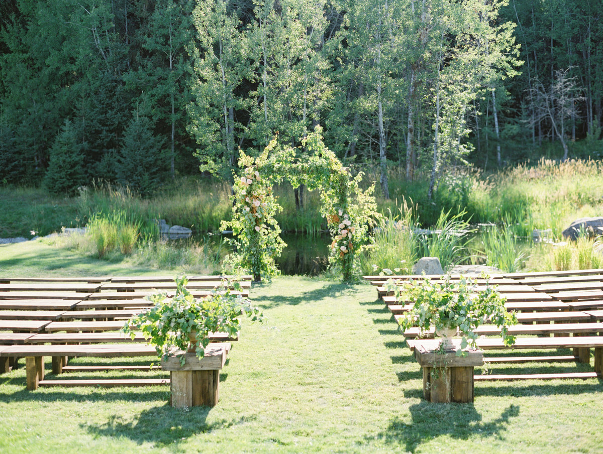 garden-inspired-wedding-ceremony
