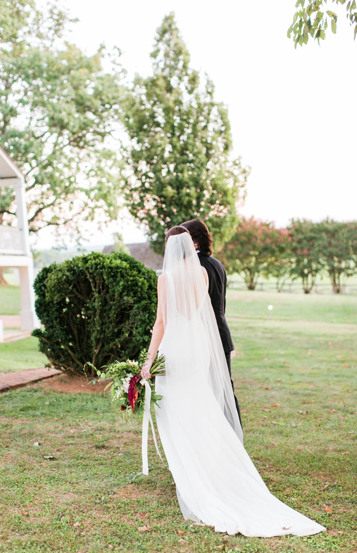outdoor Charlottesville wedding photographer