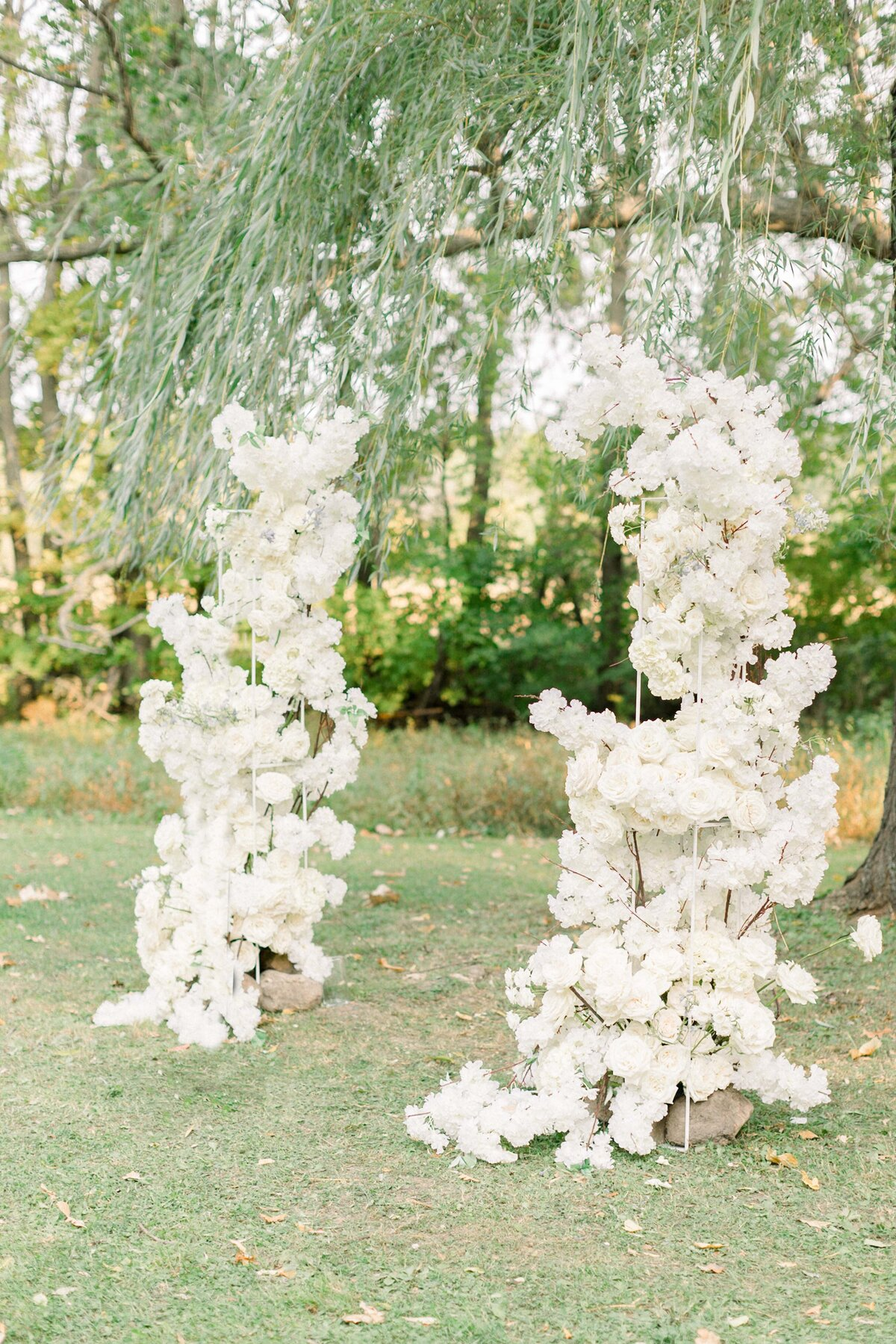 Abella Wedding Photos, Abella Minnesota, Minnesota Bride, Minnesota wedding photographer, Minneapolis wedding photographer, fine art wedding photographer, minnesota fine art wedding photographer, minneapolis wedding photographer, Ceremony arch