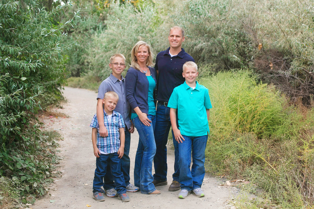 sun-valley-family-photographer-lifestyle-Boise-idaho-treasure-valley-meridian-nampa-eagle-mccall-emmett-mountain-home-photographer-lee-ann-norris058