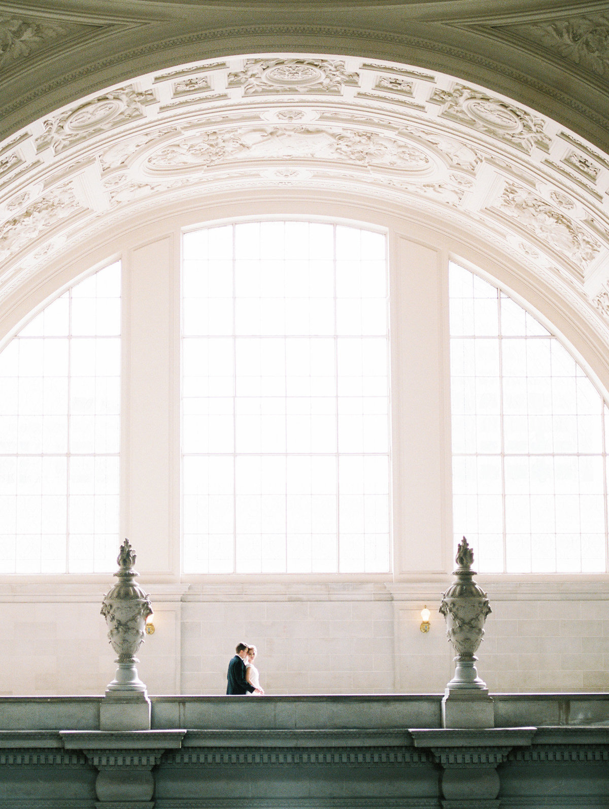 SanFranciscoCityHallWeddingPhotographer_SanFranciscoCityHallWedding_2019-Andrew_and_Ada_Photography-576