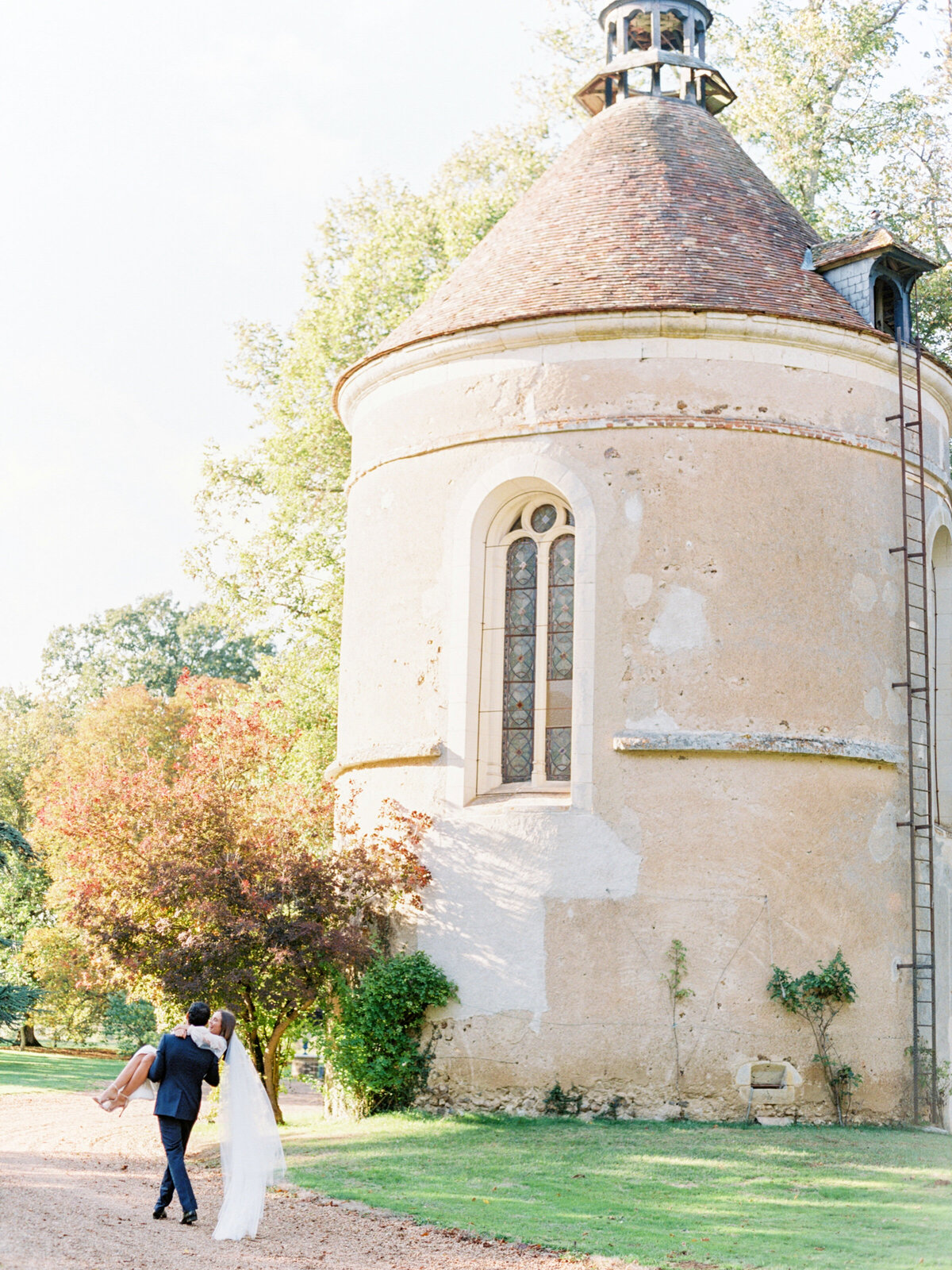 chateau-bouthonvilliers-wedding-paris-wedding-photographer-mackenzie-reiter-photography-60