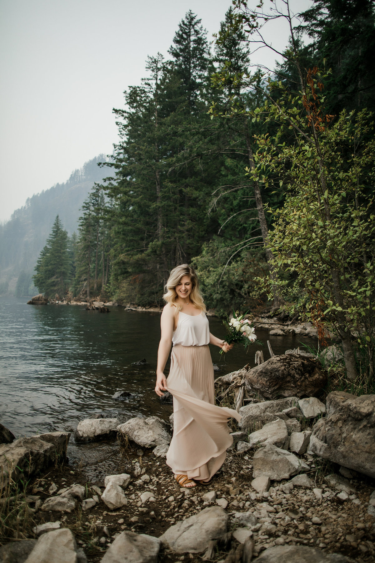 Lake-Cushman-Olympic-National-Park-Elopement-17