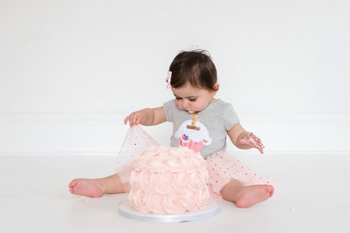 St-Louis-Studio-Child-Photographer-Cake-Smash-1-year-old-Sheth_54