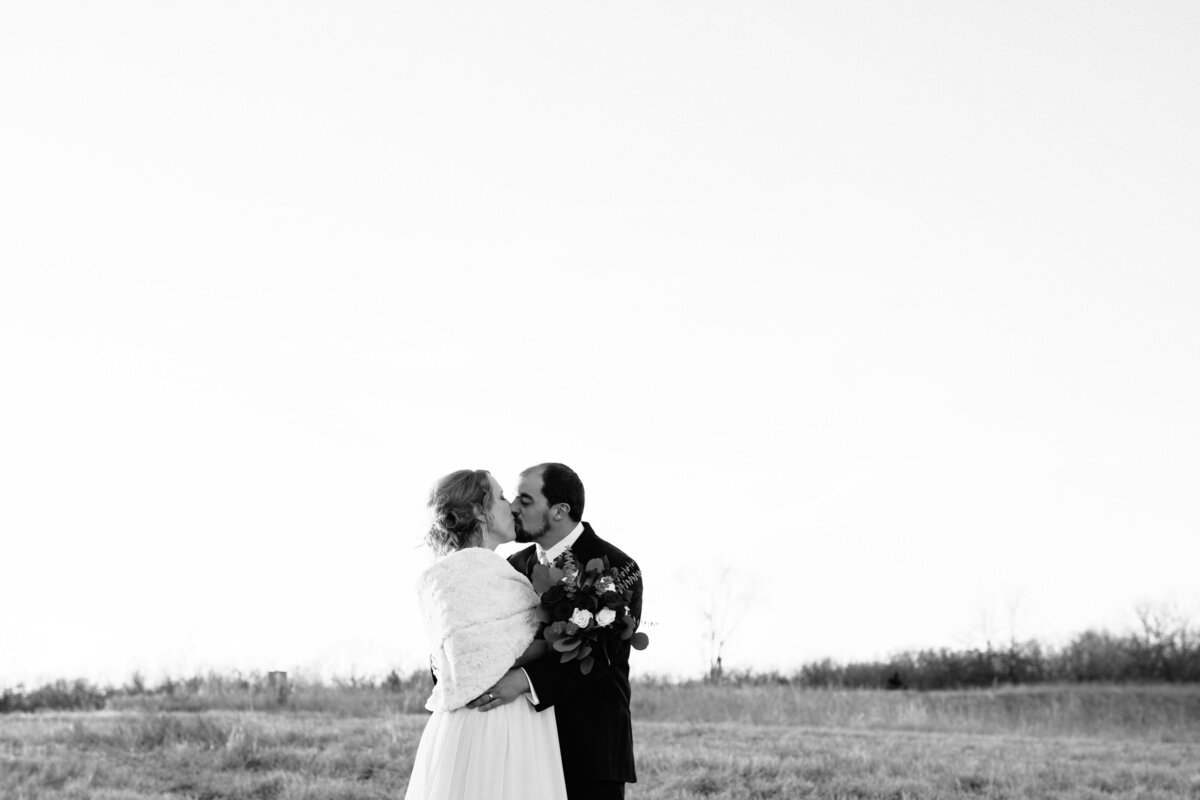 Natalie Nichole_Kansas City Wedding Photographer-0942