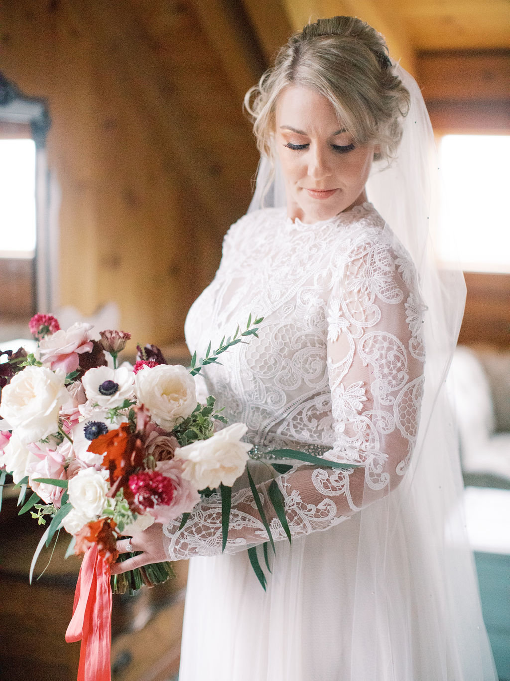 elegant fall bride bouquet florist lace gown