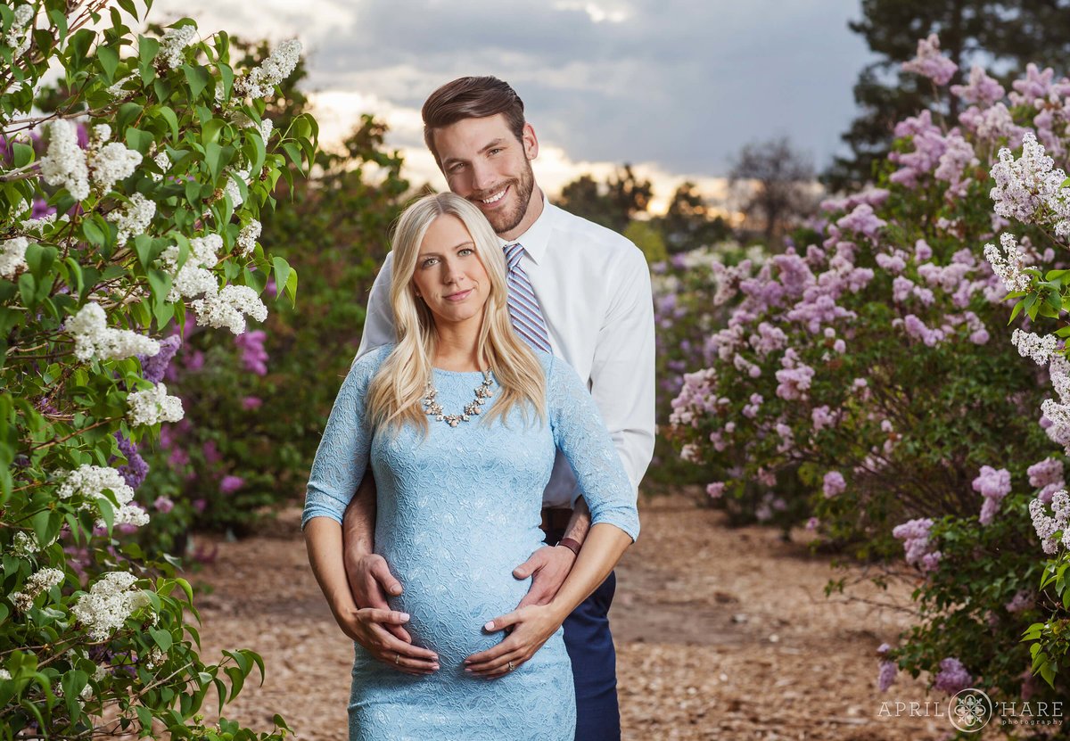 City-Park-Denver-Colorado-Maternity-Portraits-During-Spring-Blossoms-8