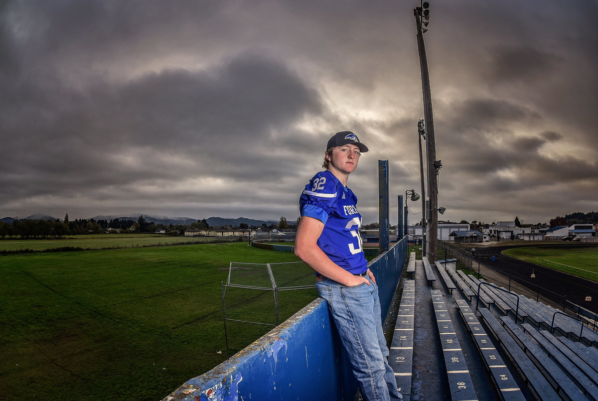 Redway-California-senior-portrait-photographer-Parky's-Pics-Photography-Humboldt-County-football-Fortuna-High-nighhttime-3.jpg