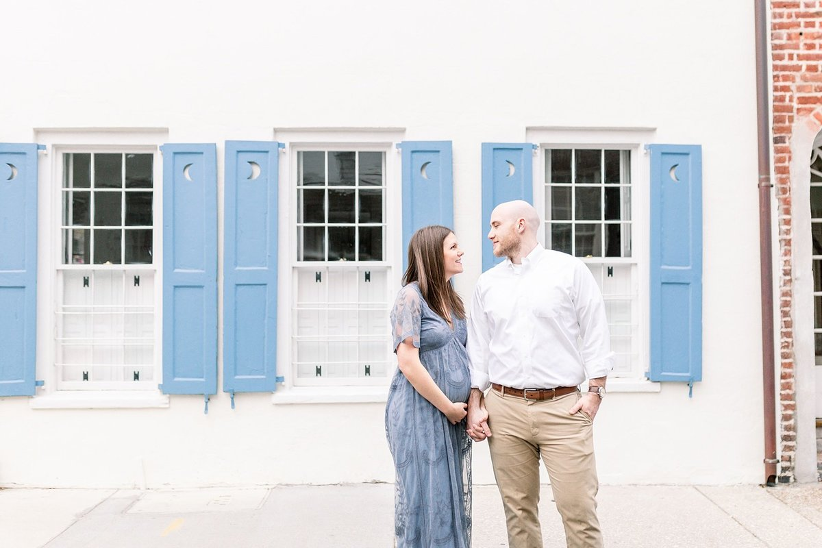 Downtown-Charleston-Maternity-Photographer_0009