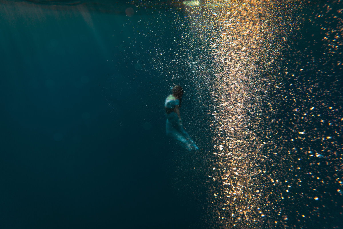 Underwater Trash the Dress Portraits-23