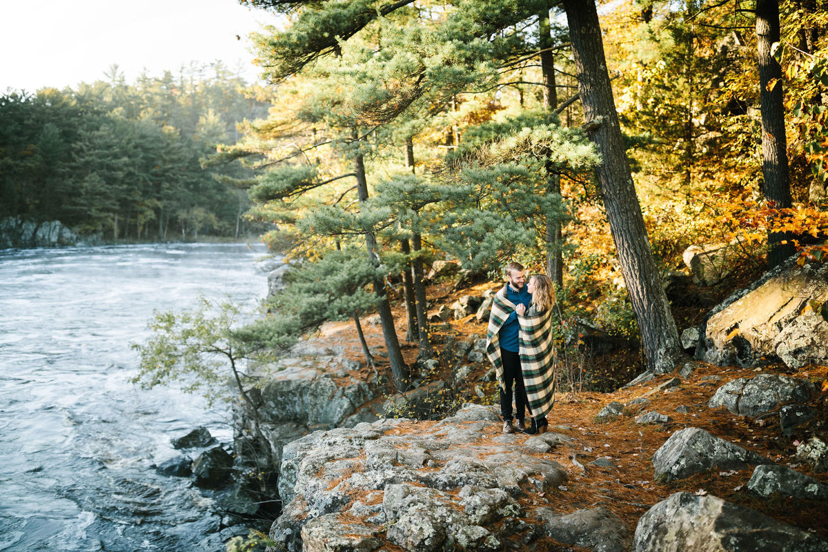 Taylors-Falls-Minneapolis-Fall-Engagement-16