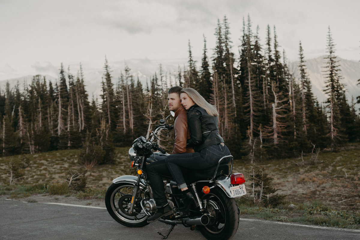 Marnie_Cornell_Photography_Engagement_Mount_Rainier_RK-235