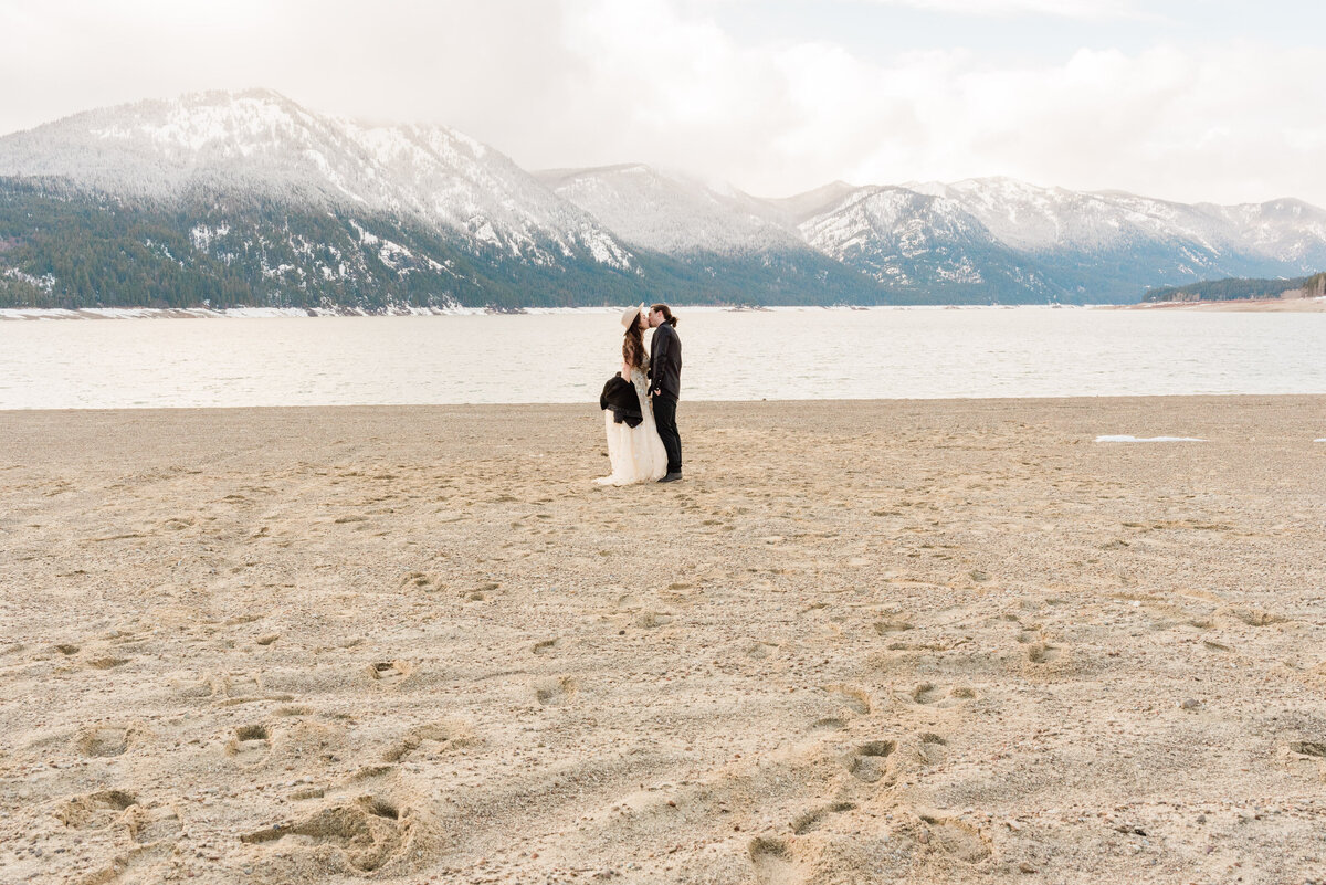 Cle-Elum-Washington-Lake-Elopement-Photographer-Photography-77
