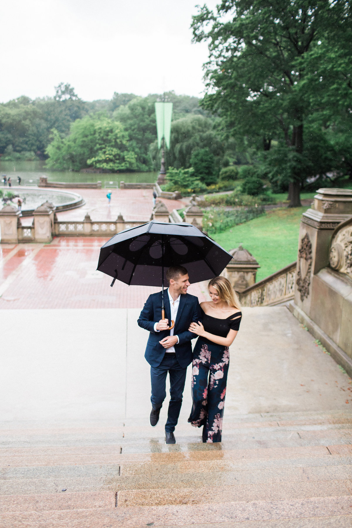 bethesda terrace central park- rainy day -umbrella- couples session