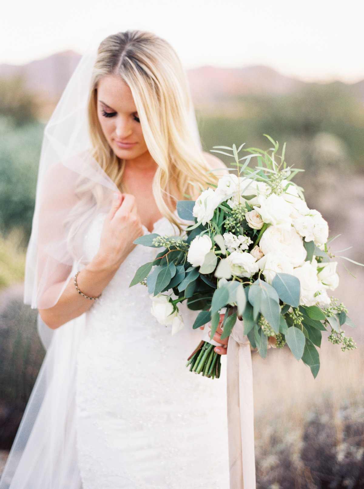 Sassi Scottsdale Arizona Wedding - Mary Claire Photography-10