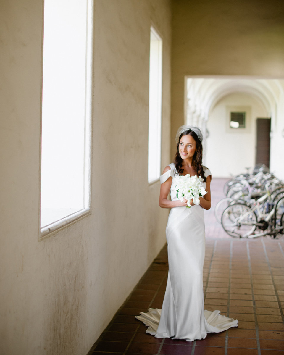 pasadena wedding pohotography architecture bright white clean airy bicycle bride