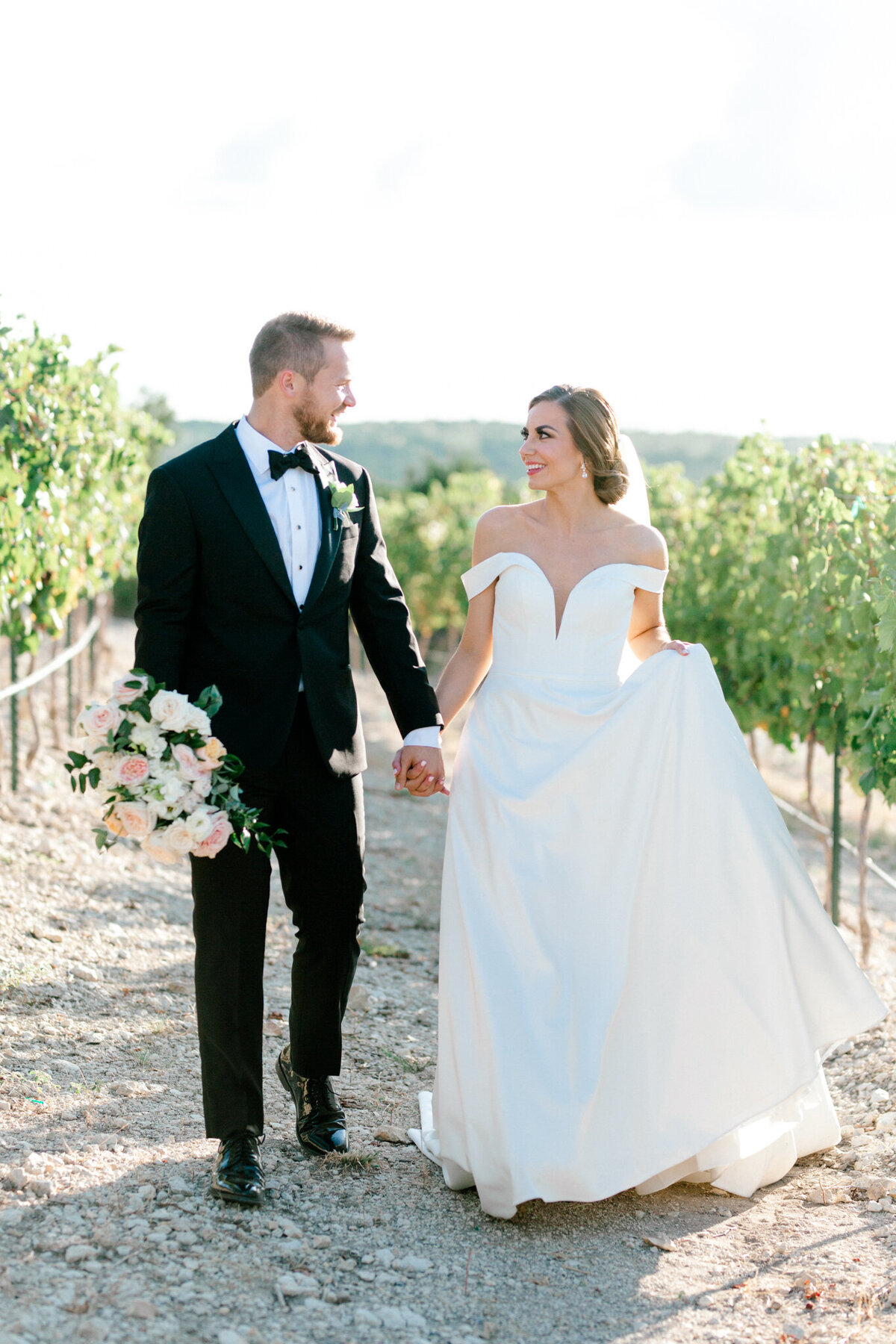 Lexi Broughton & Garrett Greer Wedding at Dove Ridge Vineyards | Sami Kathryn Photography | Dallas Wedding Photography-10