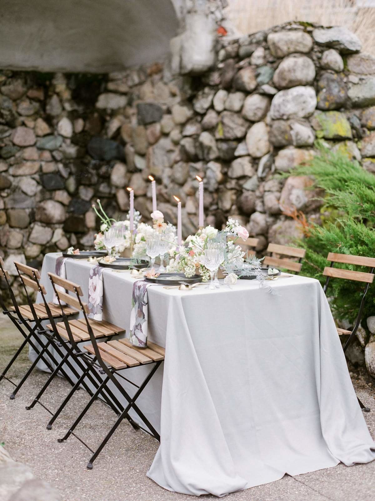 Modern-Black-and-lavender-european-inspired-michigan-wedding